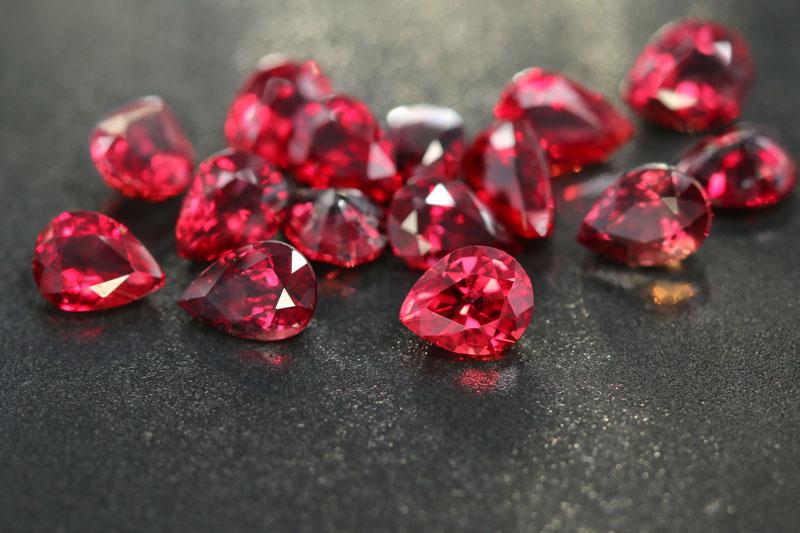 Piedra semipreciosa rubí