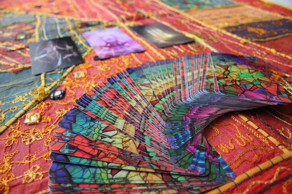 Tarot con colores esotericos
