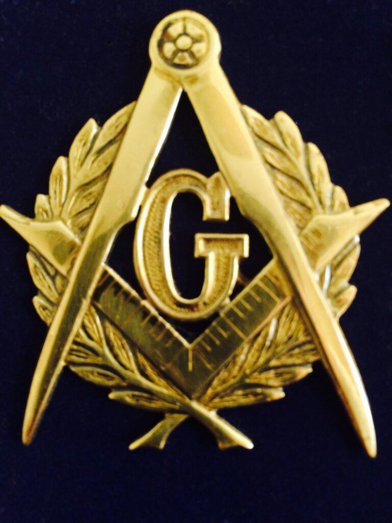Francmasonería. Símbolo de la masonería. Escuadra, regla, grados y compás. G.