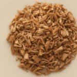 Aceite esencial de sándalo, sus propiedades y beneficios para la salud.